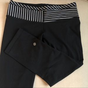 Lululemon reversible Cropped Capri Leggings stripe